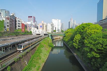 神田川と御茶の水駅